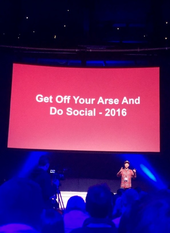 Niall Harbison speaking at #GaryVeeDublin event in Dublin.